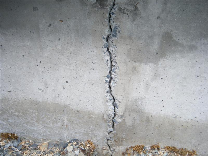 foundation crack in Sandy Springs GA 30319